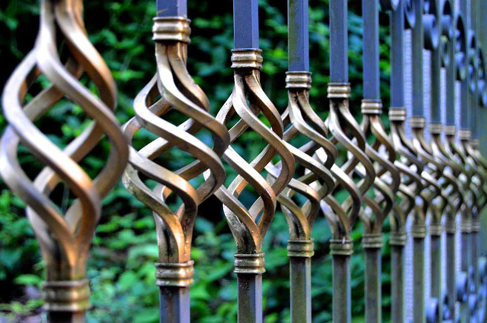 install gates and fences